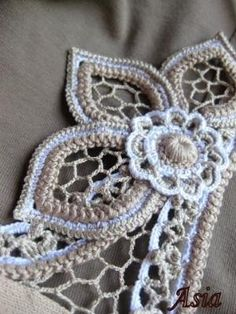 Irish Crochet Lab - GREAT SITE! - Irish Crochet Lab is a place where you will find  information, needed to learn Irish Crochet Lace.     Free lessons that teach you basics of crochet also will prepare you for more advanced lessons in Irish Lace by winsomeh1