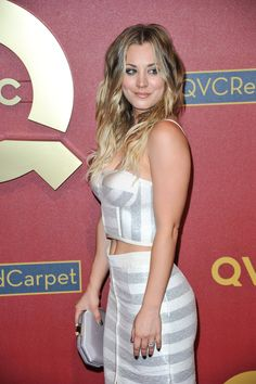 How Kaley Cuoco Bypassed the Awkward Stages in Growing Out Her Hair – Celebrities Female Kaley Cuoco Body, Kaley Cuocco, Blonde Actresses, Hot Blondes, Big Bang Theory, Beautiful Celebrities, Beautiful Women, Bigbang, American Actress