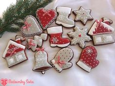 Fotka Sone Višňovskej. Christmas Biscuits, Christmas Sugar Cookies, Christmas Sweets, Christmas Minis, Christmas Goodies, Holiday Cookies, Christmas Baking, Christmas Crafts, Cake Decorating Classes