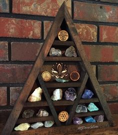 Healthy zen meditation room check it out Deco Zen, Crystal Shelves, Hippy Room, Zen Room, Meditation Space, Creation Couture, My New Room, Room Inspiration, Creations