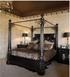 A very bold, dramatic look~The 4 poster bed is so gorgeous~❥