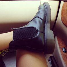 soyymilk: Admiration (Taken with Instagram) wanttttttttt mes chelsea boots asos devaient arriver HIER MATIN et je les ai toujours pas j'avais envie de pleurer ce matin en me levant