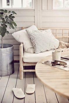 EN MI ESPACIO VITAL: Muebles Recuperados y Decoración Vintage: Quedamos en el rincón de relax