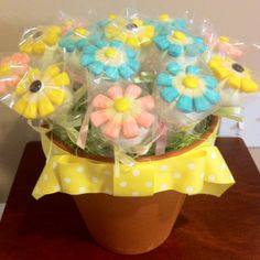 Mother's Day Cake Pop Bouquet  Lemon cake and Carrot cake  www.doughmommas.com
