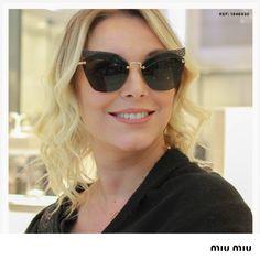 Óculos De Sol · Os solares em formato de gatinho e com lentes escuras são  clássicos que nunca saem de 986d846c50