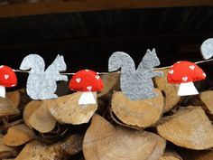 Grey Squirrel Garland, Felt Garland, Squirrel and Mushroom Bunting, Woodland Baby Shower, Animal Garland, woodland Decor, Fall Decor, Autumn...