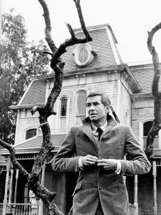 Anthony Perkins hosting The Horror Show, 1979*Love a Good Psycho* XD