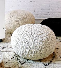 Méchant Design: wool diy (giant wool poof chairs)