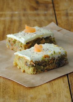 Ingredients: 1 1/2 cups all purpose flour 1 teaspoon baking powder 1/2 teaspoon ground ginger 1/4 teaspoon baking soda 2 eggs lightly beaten 1 1/2 cups finely shredded carrots (3 medium) 1 cup shredded zucchini 3/4 cup brown sugar, tightly packed 1/2 cup raisins (I mixed regular & golden together) 1/2 cup chopped nuts (walnuts or pecans) 1/2 cup vegetable oil 1/4 cup honey 1 teaspoon vanilla extract