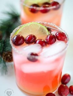 This Holiday Punch has just the right amount of sweetness and is loved by grown ups and littles so it's perfect for any party or to enjoy on Christmas Day. The post Holiday Punch appeared first on Smart School House. Non Alcoholic Christmas Punch, Holiday Drinks, Holiday Treats, Holiday Decor, Best Thanksgiving Recipes, Holiday Recipes, Butter Chicken Rezept, Freezer Meals, Easy Meals