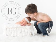 Newborn and Big Brother! white and blue,  baby jeans, baby photography, infant photography, newborn photography, child photography, photographer clearwater, photographer tampa, tracy gabbard photography, TGP