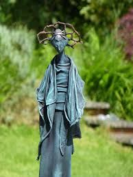 Create weatherproof fabric, cloth and textile sculptures. For all types of arts and crafts; a mixed media must have. Textile Sculpture, Garden Sculpture, Mixed Media Canvas, Types Of Art, Steampunk, Images, Arts And Crafts, Outdoor Decor, Fabric
