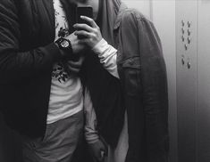Guraba. Love Couple, Couples In Love, Couple Goals, Muslim Couple Photography, Ulzzang Couple, Love Conquers All, Muslim Couples, Photos Tumblr, Poses