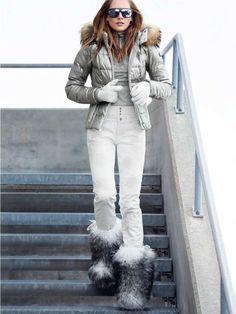 Ski jackets for women: Find high quality & exclusive ski jackets for women at the official Bogner online shop! Apres Ski Mode, Mode Au Ski, Apres Ski Party, Winter Suit, Winter Wear, Ski Fashion, Winter Fashion, Ski Weekends, Gowns