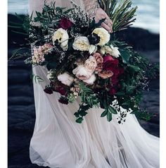 We fell head over heels in love with this phenomenal creation by @ruby_and_ivy the minute we saw it. The deep, moody colours are just perfect for a Winter wedding. To see this insanely gorgeous wedding in full, head over to the @weddingplaybook website Image source: @weddingplaybook website Photography: @amanda_peppermintphotography #wedding #bouquet #flowers #burgundy #pink #weddinggoals #weddinginspo #evedeso #eventdesignsource - posted by Max & Me Designs…