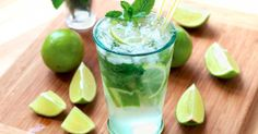 Mojito: The real one - Trend Best Cocktail Recipes 2019 Cocktail Drinks, Cocktail Recipes, Alcoholic Drinks, Drink Recipes, Dinner Recipes, Brunch, Food And Drink, Nutrition, Juice Recipes