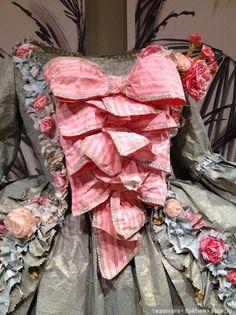 Шикарные средневековые наряды из бумаги. Творчество Isabelle de Borchgrave / Разное. Интересное / Бэйбики. Куклы фото. Одежда для кукол