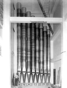 Atlantic City Pipe Organ...  Now that's a big organ pipe...