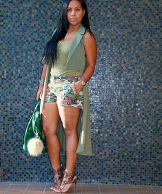 Tanya Major wearing - army green sleeveless trench, Ralph Lauren tank and shorts, Givenchy handbag, Camilla Skovgaard high heels Summer Outfits Women 30s, Cute Summer Outfits, Cute Outfits, Casual Outfits, Dope Fashion, Black Women Fashion, Fashion Outfits, Fine Black Girls, Simply Fashion