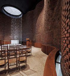 scandinaviancollectors: EERO SAARINEN, MIT Chapel, 1955