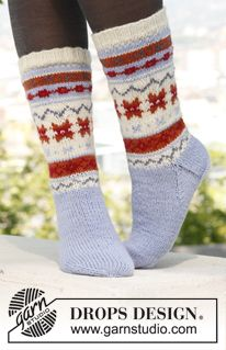 Socks & Slippers - Free knitting patterns and crochet patterns by DROPS Design Knitted Socks Free Pattern, Knitting Socks, Knitting Patterns Free, Free Knitting, Crochet Patterns, Drops Design, Garnstudio Drops, Magazine Drops, Drops Patterns