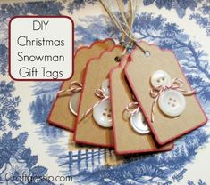 This Kids Christmas craft is so adorable and so easy to make. You will need blank gift tags or you can use card stock and cut them out by hand (square is okay) White buttons in two different sizes and Christmas Tags Handmade, Neighbor Christmas Gifts, Christmas Buttons, Christmas Gift Bags, Holiday Gift Tags, Handmade Christmas Decorations, Homemade Christmas, Kids Christmas, Handmade Gifts