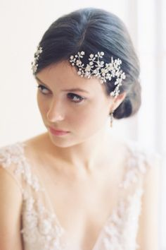 Bridal headband perfect for a winter bride: http://www.stylemepretty.com/2014/12/02/20-of-our-favorite-bridal-headbands/ #SMPLookBook