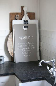 Tekst Appeltaart op houten plankje