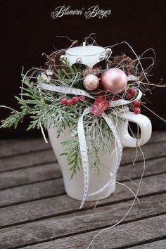 Dekoration Weihnachten - Bildergebnis für adventsdekoration fenster - New Ideas Christmas Ornament Crafts, Christmas Wreaths, Concrete Projects, Happy Trails, Xmas Decorations, Snowflakes, Diy, Candles, Floral