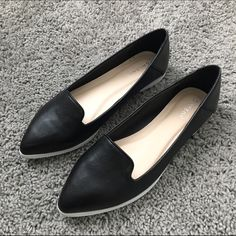 Adorable Black flats Great little flats. Wore them once, but they were too small, I'm 7.5/8. This would be great so a 7/7.5. They're essentially brand new! NO TRADES NO PAYPAL DISCOUNTS ON BUNDLES Shoes Flats & Loafers