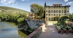 Villa La Massa Candeli (Bagno a Ripoli) A luxury villa surrounded by green areas, Villa La Massa features a garden with swimming pool, a spa, and a restaurant with terrace overlooking River Arno. It is located 8 km from Florence's centre.