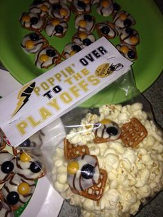 Youth football snack treat we made for my sons team to give to them right before the playoff game. Poppin over to the playoffs. What we put in the snack mix: popcorn, square pretzels, m&m's (team colors), Hershey's kiss.