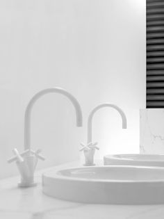 #Dornbracht TARA  22512892-10 Single hole basin mixer 165mm projection also available 135mm & 100mm Finish - MATT WHITE www.johngoslett.co.uk #johngoslett #gosletts #dornbracht #TARA