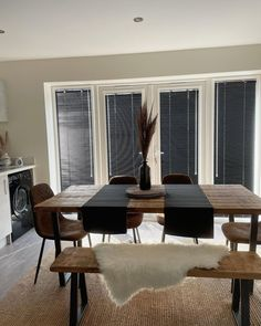 DIY really not your thing? Don't worry ! Choose a Perfect Fit bit for your uPVC window and clip the blind directly onto the window frame. We love this beaut example of a Perfect Fit Venetian from @blackandbeigephase 😍 😍 Perfect Fit Blinds, Fitted Blinds, Blinds Direct, Everyone Makes Mistakes, Fit Bit, Upvc Windows, Blackout Blinds, Roller Blinds