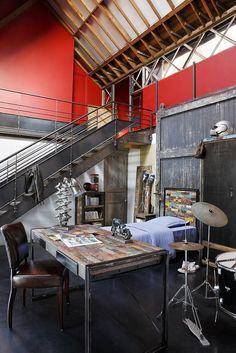 Интерьер кабината, с использованием мебели французского бренда DuBoutDuMonde