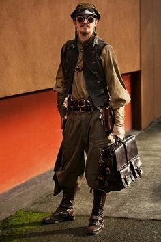 Steampunk gentleman http://steampunkcostume.com/2012/09/27/awesome-steampunk-gentleman/