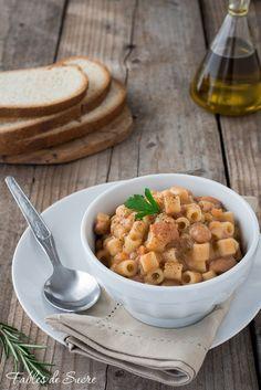 Un piatto semplice come la pasta e fagioli, riscalda le fredde serate invernali. Con mille varianti resta sempre un'ottimo piatto unico e sostanzioso.
