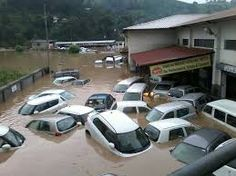 himachal pradesh Dharampur Cloudburst : 3 buried alive, bus stand submerged