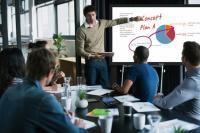 Panasonic reduce el coste de la colaboración con dos asequibles y potentes pantallas táctiles interactivas