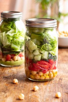 Jar Salad with Chickpeas Avocado Pasta, Healthy School Lunches, Salad In A Jar, Orange Crush, Homemaking, Cucumber, Picnic, Yummy Food, Delicious Recipes