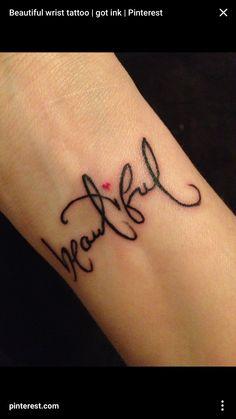 Wrist Tattoos Ideas for Women; Wrist Tattoos Concepts for Girls; Sexy And Tiny Wrist Tattoo Designs You Should Try Tattoo L, Piercing Tattoo, Tattoo Fonts, Get A Tattoo, Tattoo Typography, Cobra Tattoo, Tattoo Pics, Tiny Tattoo, Tattoo Quotes