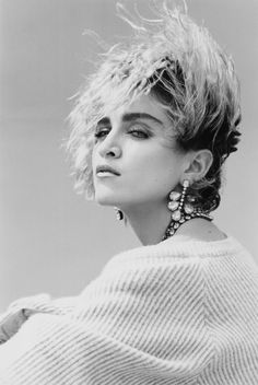 Madonna photographed by Steven Meisel in 1983 for Mademoiselle magazine Steven Meisel, Mario Testino, Look 80s, Madona, 1980s Hair, Vogue Magazin, Foto Portrait, Annie Leibovitz, Actrices Hollywood