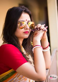 Bengali Bride with super cool shades photography by iPic Frames #beautifulbride #bengaliBride  Follow us on facebook.com/ipicframes