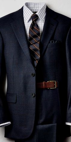 Chain Men Style men suits prom -- Click VISIT link above to read Best Suits For Men, Cool Suits, Sharp Dressed Man, Well Dressed Men, Look Man, Herren Outfit, Mens Fashion Suits, Mens Suits Style, Fashion Mode