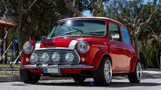 Modified Mini Also Races - Petrolicious Red Mini Cooper, Mini Cooper Classic, Classic Mini, Classic Cars, Fit Body Guide, Mini Morris, Austin Cars, Cooper Car, Mini Countryman