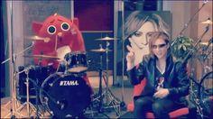 Video: YOSHIKI&にゃんごすたー🐱  サイジェラを叩くとは(笑) #love#instagood#photooftheday#tbt#cute#beautiful#happy#me#hot#follow#yoshiki#hide#xjapan#TOSHI#にゃんごすたー #LUNASEA#TOKYO#Paris#la#nyc#President#ねこ #CATS#台湾#China#hk#London#russiangirl#drums