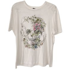 Pre-owned Alexander Mcqueen Skulls Skull T Shirt White (205 CAD) ❤ liked on Polyvore featuring tops, t-shirts, white, skull graphic tees, white tee, alexander mcqueen, alexander mcqueen tops and skull top