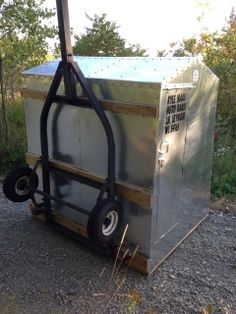 Willie 39 s ice shanty build thread drop frame trailer bed for Crank down fish house frames