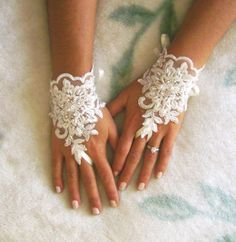 Gorgeous and worth every penny.  Wedding gloves bridal gloves lace gloves fingerless by GlovesShop, $30.00