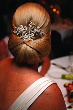 Such beautiful wedding hair with a fantastic comb by Stephanie Browne of Australia!!  #classic hair #wedding hair  #oversize chignon